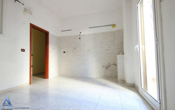 Appartamento in vendita a Taranto, Rione Italia, Montegranaro, 118 mq - Foto 14