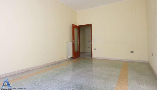 Appartamento in vendita a Taranto, Rione Italia, Montegranaro, 118 mq - Foto 8