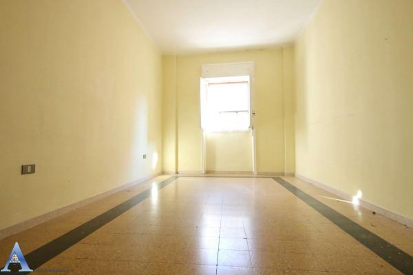 Appartamento in vendita a Taranto, Rione Italia, Montegranaro, 118 mq - Foto 11
