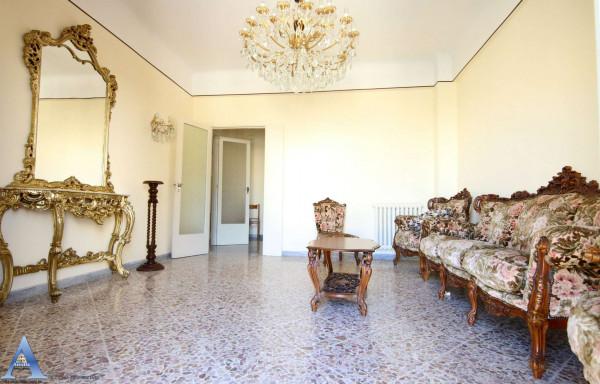 Appartamento in vendita a Taranto, Rione Italia, Montegranaro, 113 mq