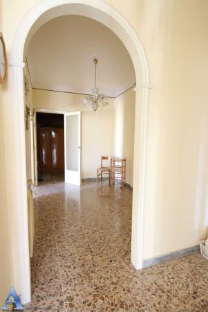Appartamento in vendita a Taranto, Rione Italia, Montegranaro, 113 mq - Foto 9
