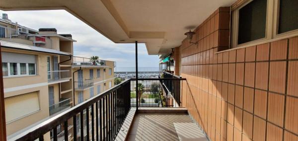Appartamento in vendita a Chiavari, Lungomare, Con giardino, 85 mq