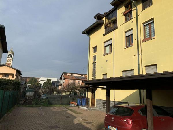 Appartamento in vendita a Garbagnate Milanese, Centro, Con giardino, 60 mq - Foto 2