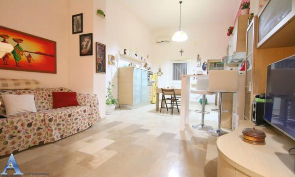 Appartamento in vendita a Taranto, Rione Italia, Montegranaro, 64 mq