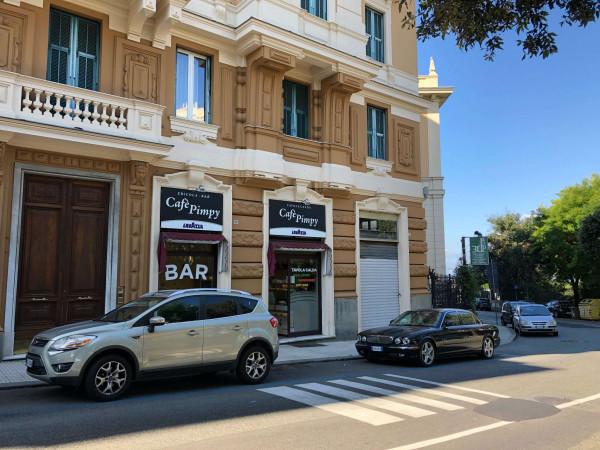 Locale Commerciale  in vendita a Genova, Centro, 60 mq