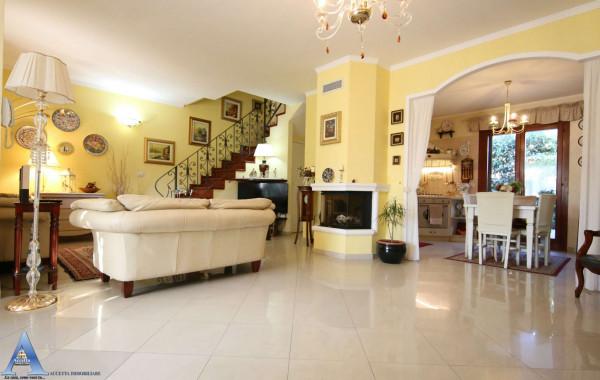 Villa in vendita a Taranto, San Vito, Con giardino, 136 mq