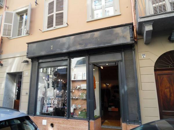 Negozio in affitto a Torino, Centro, 30 mq
