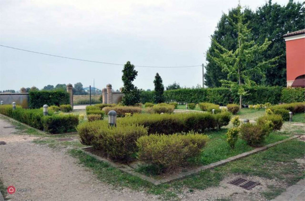 Appartamento in vendita a Modena, Albareto, Con giardino, 235 mq