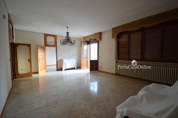 Villa in vendita a Forlì, Kennedy, Con giardino, 450 mq