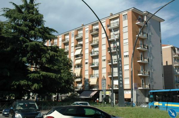 Negozio in affitto a Alpignano, Centro, 65 mq