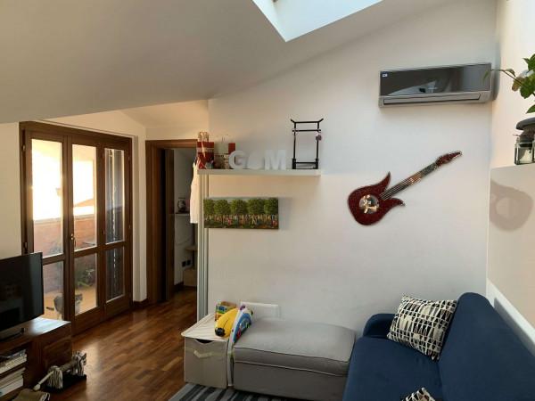 Appartamento in vendita a Caronno Pertusella, Bariola, Con giardino, 55 mq