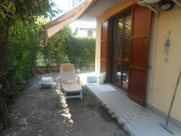 Villa in vendita a Crespiatica, Residenziale, Con giardino, 130 mq