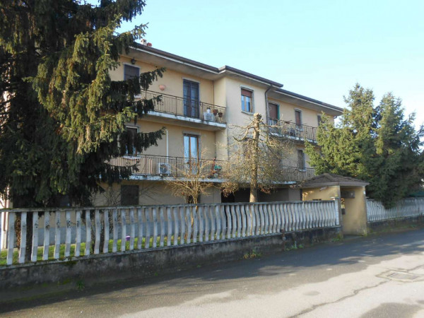 Appartamento in vendita a Pandino, Residenziale, Con giardino, 131 mq