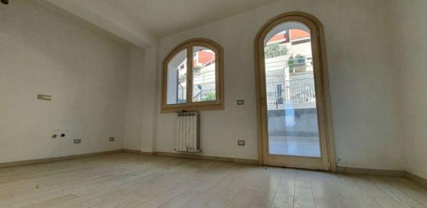 Appartamento in vendita a Chiavari, Residenziale, Con giardino, 50 mq