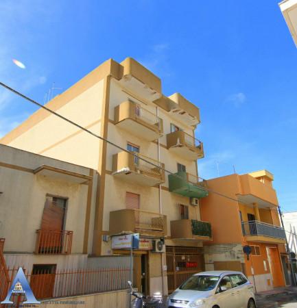 Appartamento in vendita a San Giorgio Ionico, 107 mq - Foto 1