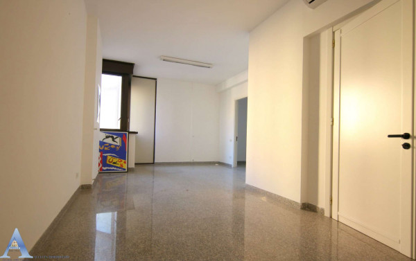 Ufficio in vendita a Taranto, Rione Italia, Montegranaro, 209 mq - Foto 15