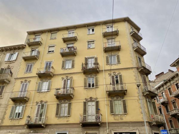Appartamento in vendita a Torino, 110 mq