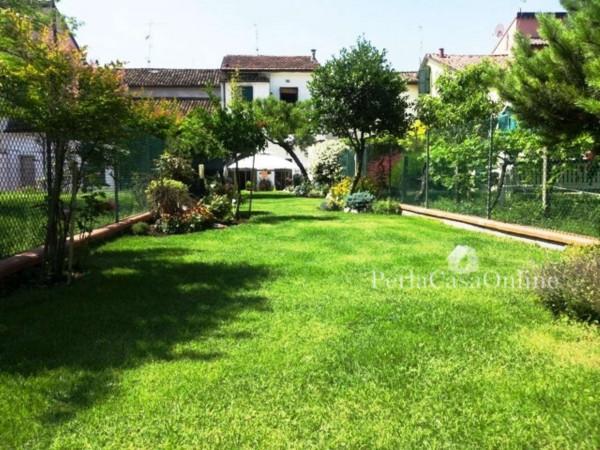 Casa indipendente in vendita a Forlimpopoli, Centro Storico, Con giardino, 200 mq