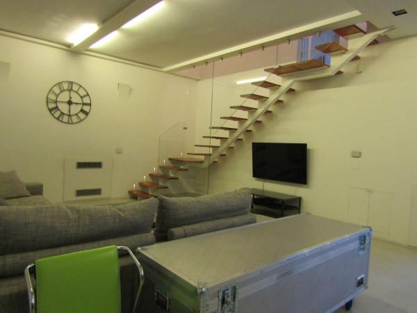 Appartamento in vendita a Milano, Navigli, Con giardino, 195 mq