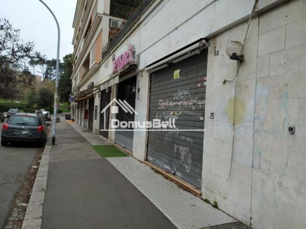Locale Commerciale  in vendita a Roma, Eur, 41 mq