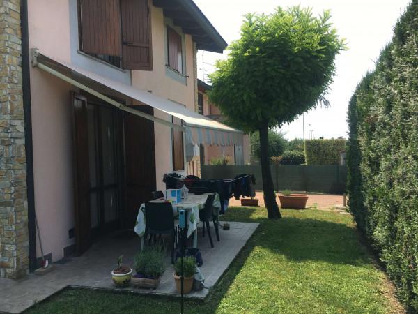 Villa in vendita a Casaletto Vaprio, Residenziale, Con giardino, 143 mq