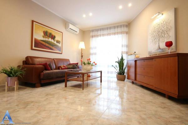 Appartamento in vendita a Taranto, Lama, Con giardino, 110 mq