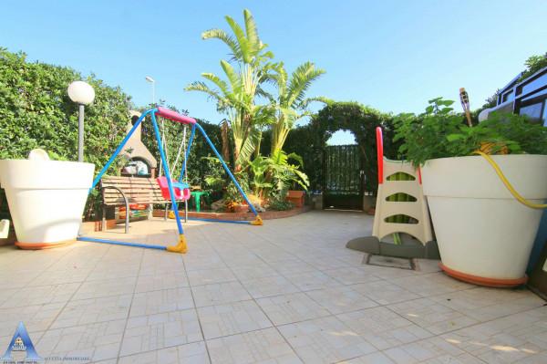 Appartamento in vendita a Taranto, Rione Laghi - Taranto 2, Con giardino, 68 mq