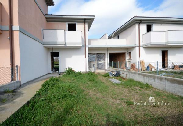 Villetta a schiera in vendita a Forlì, Cava, Con giardino, 146 mq