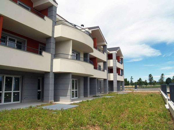 Appartamento in vendita a Cesate, Con giardino, 68 mq