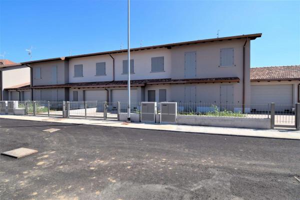 Villetta a schiera in vendita a Vailate, Residenziale, Con giardino, 160 mq - Foto 1