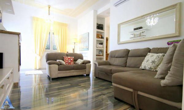 Villa in vendita a Taranto, Lama, Con giardino, 115 mq