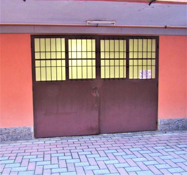 Locale Commerciale  in affitto a Milano, Naviglio Grande, 110 mq