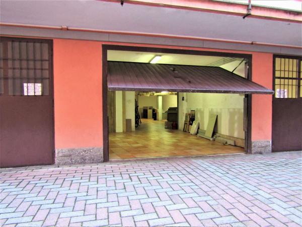 Locale Commerciale  in affitto a Milano, Santa Rita, 85 mq