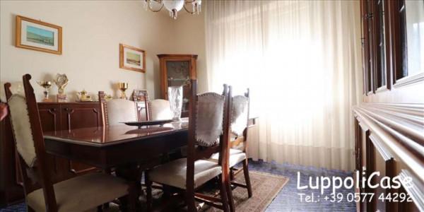Appartamento in vendita a Siena, 94 mq