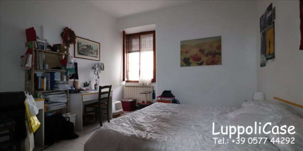 Appartamento in vendita a Siena, 72 mq