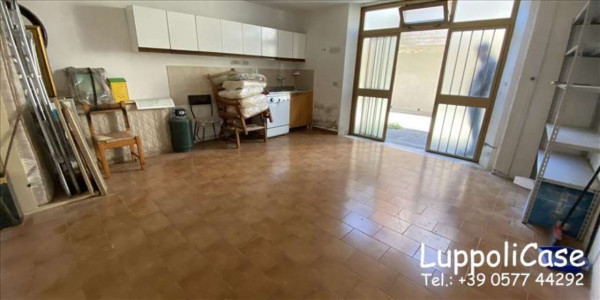 Appartamento in vendita a Castelnuovo Berardenga, Con giardino, 76 mq - Foto 2