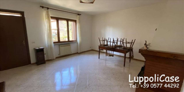 Appartamento in vendita a Castelnuovo Berardenga, Con giardino, 76 mq