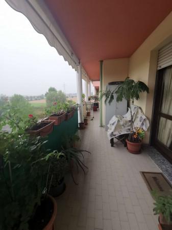 Appartamento in vendita a Pandino, Residenziale, Con giardino, 94 mq