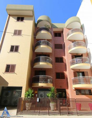 Ufficio in vendita a Taranto, Tre Carrare - Battisti, 43 mq