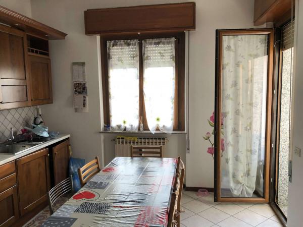 Appartamento in vendita a Cittiglio, Casine, Con giardino, 95 mq