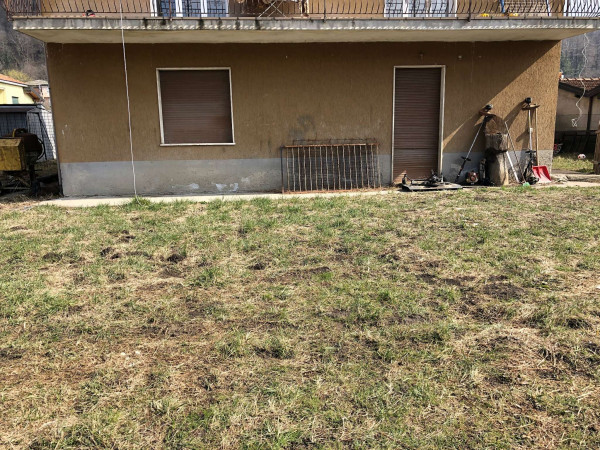 Appartamento in vendita a Sangiano, Residenziale, Con giardino, 65 mq