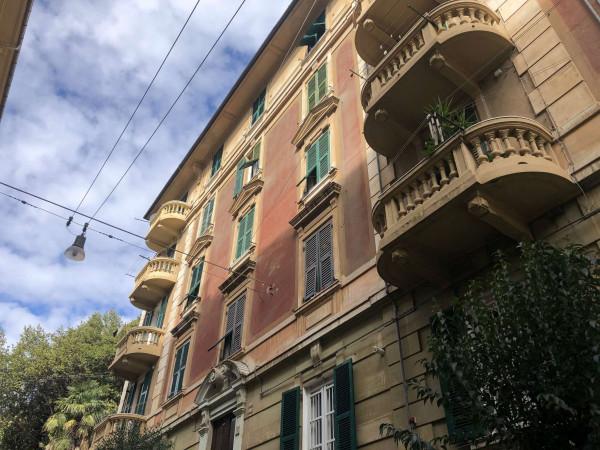 Appartamento in vendita a Genova, Sestri Ponente, 110 mq