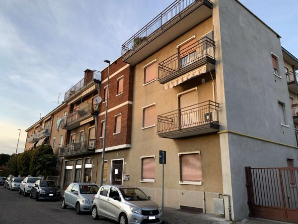 Appartamento in vendita a Cerro Maggiore, Arredato, 77 mq