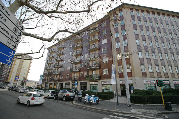 Appartamento in vendita a Milano, Romolo, Con giardino, 59 mq