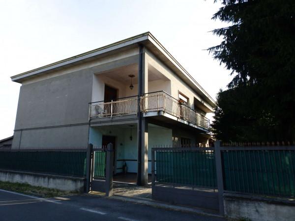 Appartamento in vendita a Cabiate, Con giardino, 84 mq
