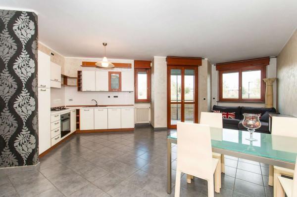 Appartamento in vendita a Torino, Con giardino, 80 mq