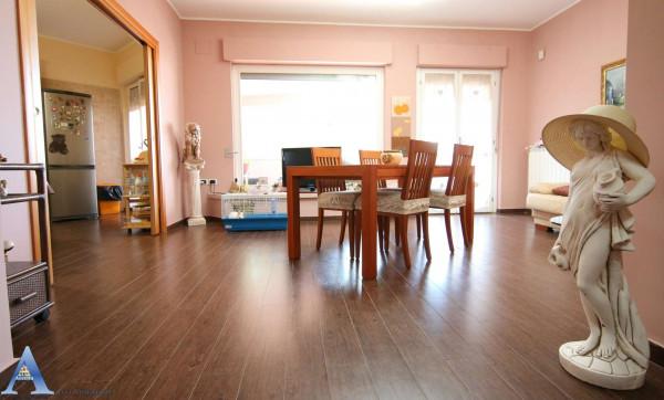Appartamento in vendita a Taranto, Lama, Con giardino, 138 mq