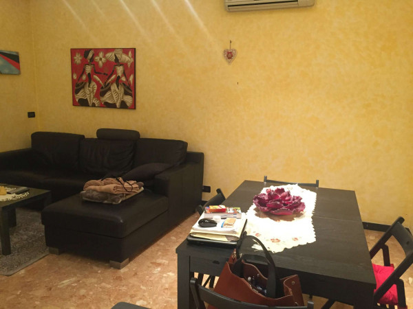 Appartamento in vendita a Genova, 67 mq