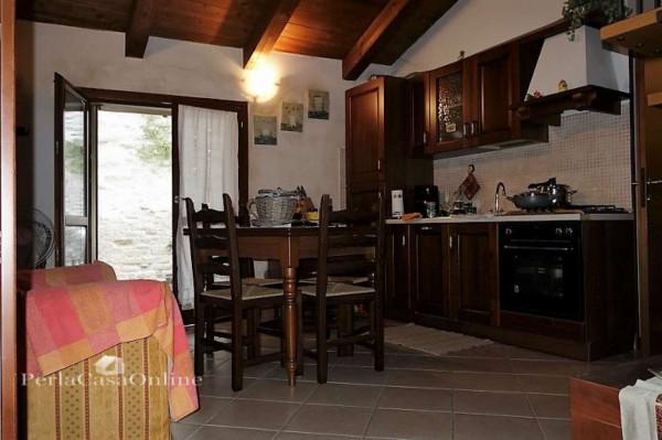 Appartamento in vendita a Dovadola, Centro Città, 60 mq