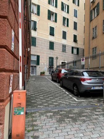 Negozio in vendita a Genova, Corvetto, 50 mq